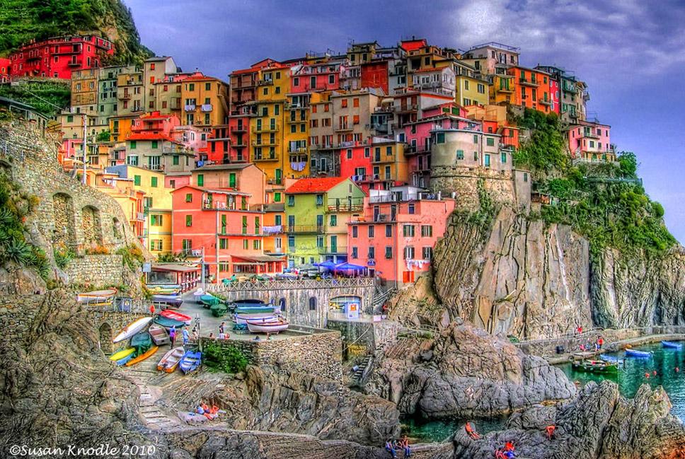 Cinque-Terre,-Italy