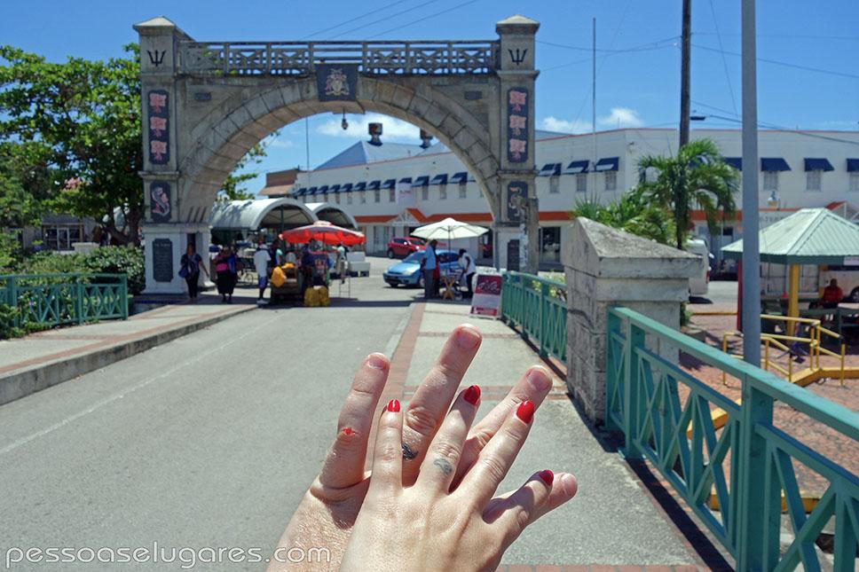 Independence Arch - Barbados pessoaselugares.com