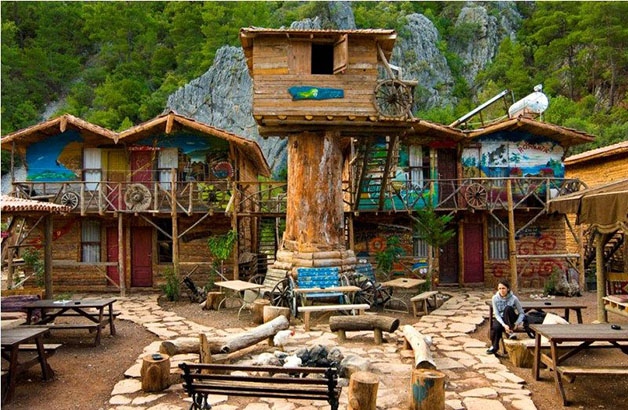 23062011150600_kadirs-tree-houses20