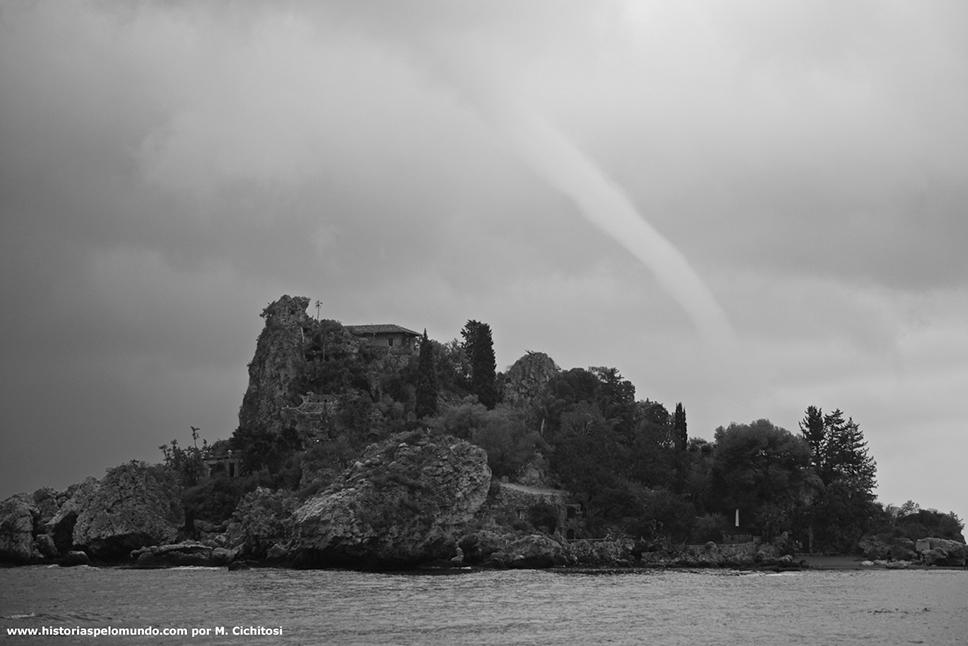 Em-Taormina-na-Sícilia---Itália