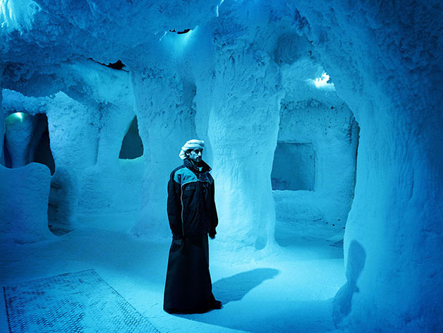 Dubai, Ski Dubai, Indoor Skiing Hall, Portrait in the Icecave