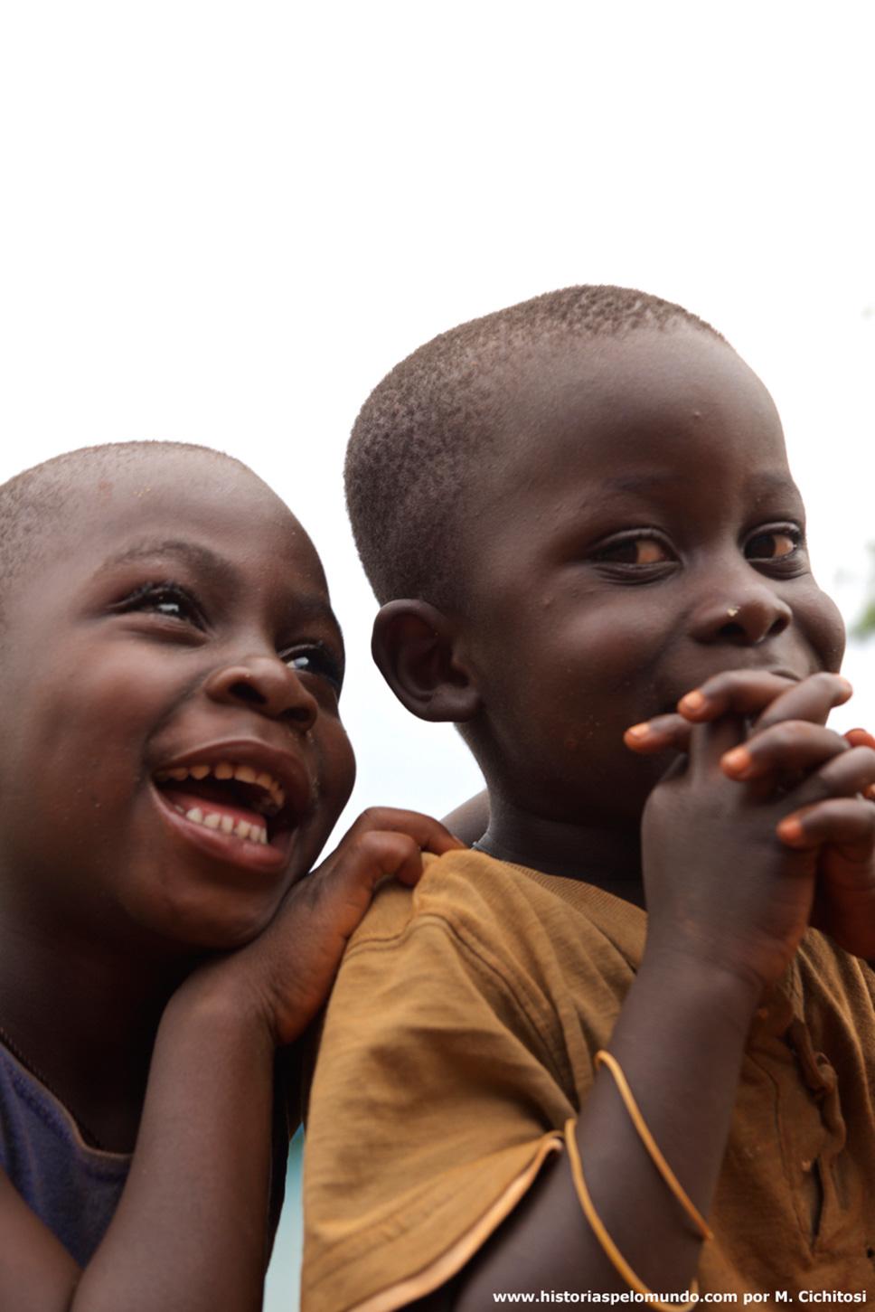 Meninos-no-Quênia
