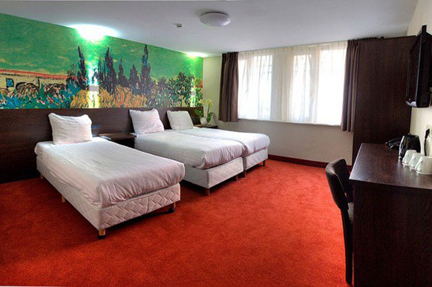 hostels84-650x433