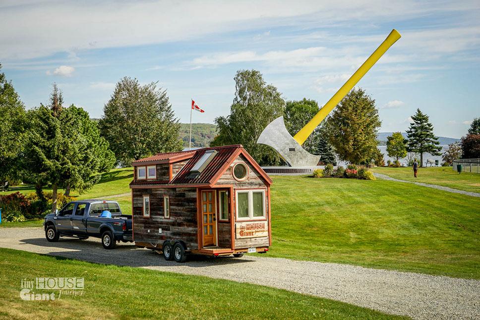 Tiny_House_Giant_Journey_World's_Largest_Axe