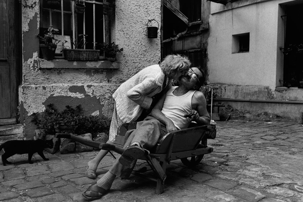 Concierge and his wife, Rue de Lappe, 1984