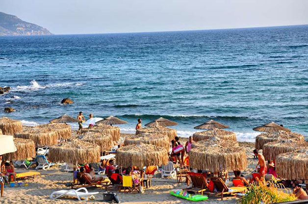tigania_beach_2-800
