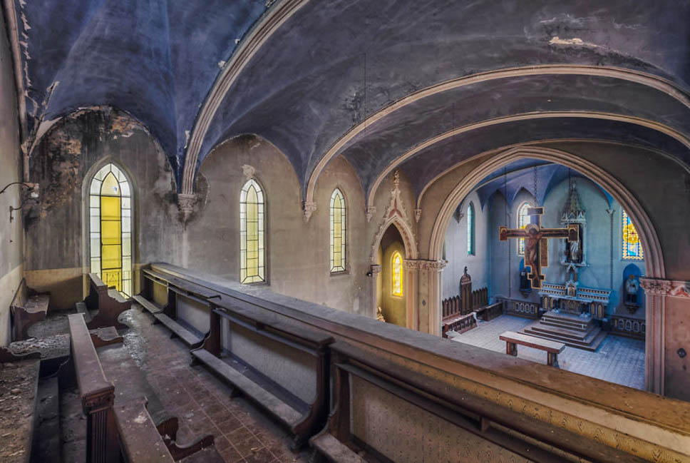old abandoned blue church