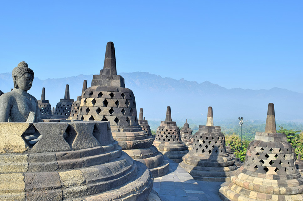 Plot-Indonesia-Borobudur