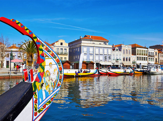 Universidade portuguesa oferece 50 bolsas de estudos para alunos internacionais