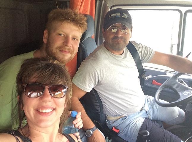 'Trocando serviços por acomodação e comida conseguimos viajar por 18 países', conta casal nômade