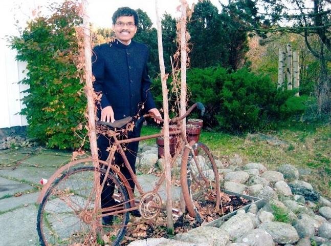Ele pedalou da Índia até a Suécia atrás do seu grande amor
