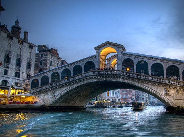 Sobre as águas: quatro mercados do mundo ficam em cima de pontes