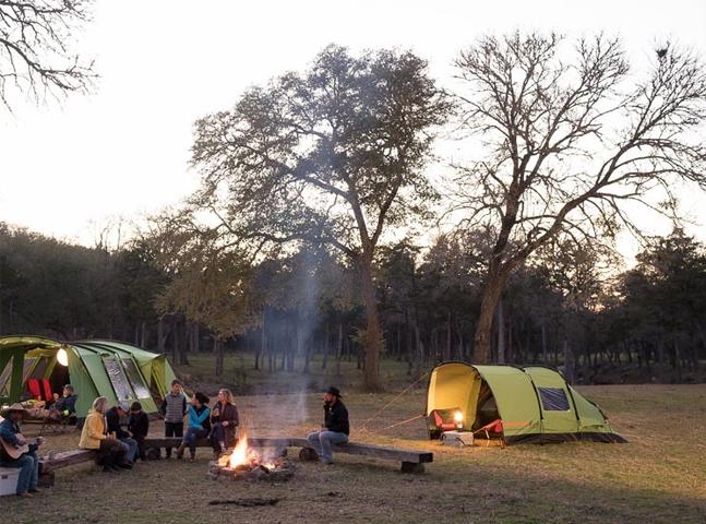 A tenda inovadora que bloqueia o som, é arejada no verão e quente no inverno