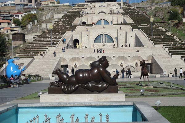 museu-arte-moderna-yerevan1
