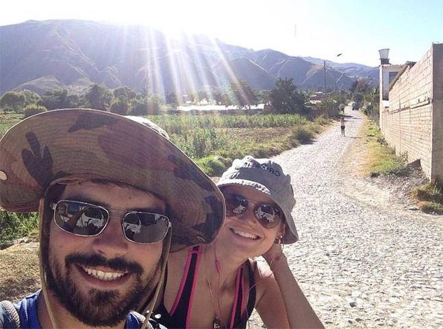 Este casal está viajando as Américas gastando apenas R$ 17 por dia