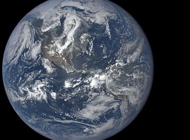 Um ano na Terra: incrível timelapse documenta 365 dias de imagens captadas pelo satélite da NASA