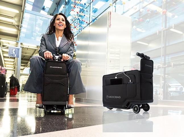 Mala motorizada pode ser usada como 'meio de transporte' em aeroportos
