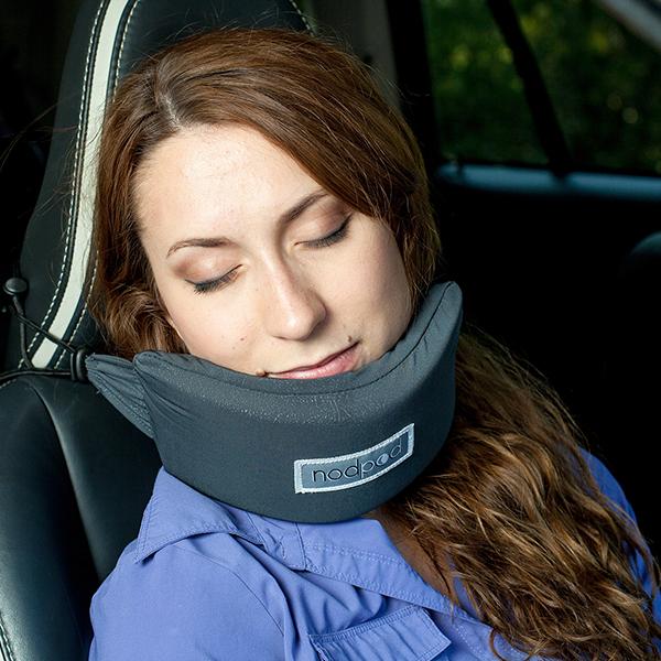 Rede de apoio pra cabeça é o acessório de viagem mais bizarro – e útil – que você já viu