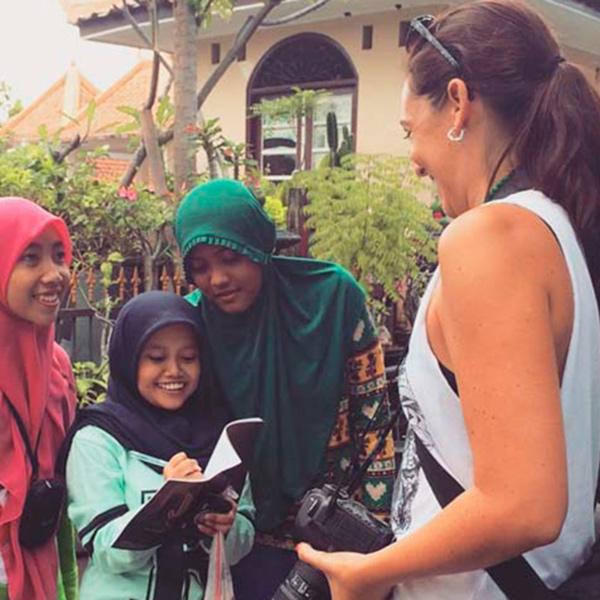 Nômade digital brasileira cria projeto que te ajuda a eternizar memórias de viagem