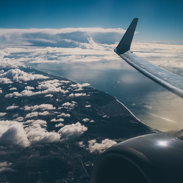 Google cria recurso de alerta para compra de passagem aérea mais barata