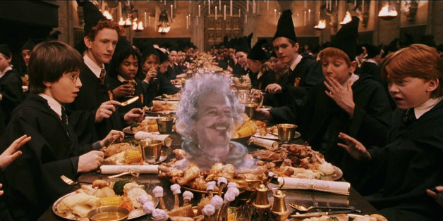 the-biggest-harry-potter-fans-will-eat-christmas-dinner-at-hogwarts-this-year