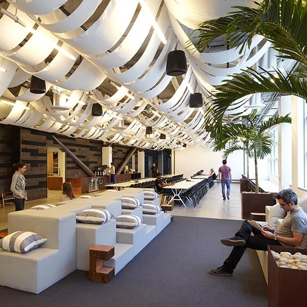 Esses seis incríveis espaços de trabalho são o sonho de qualquer nômade digital