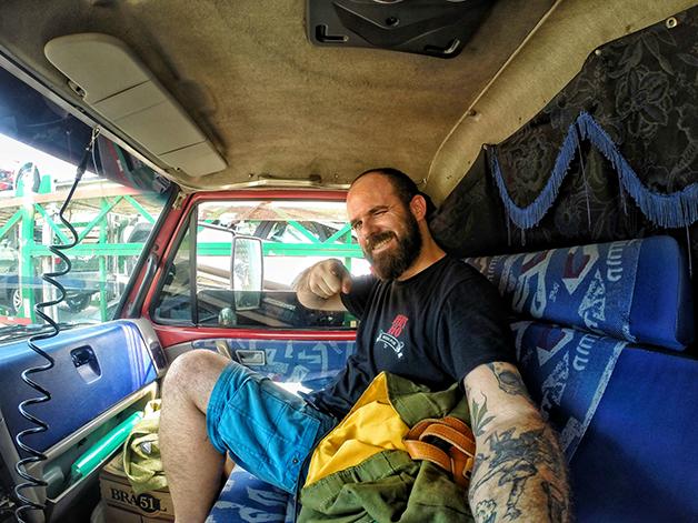 Boleia em caminhão