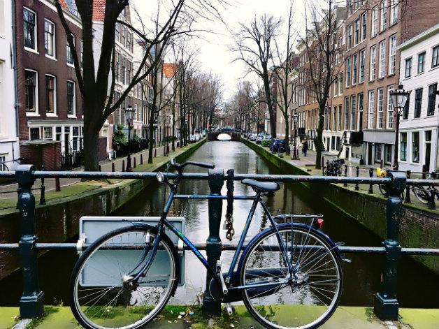 amsterdam-1931311_1280