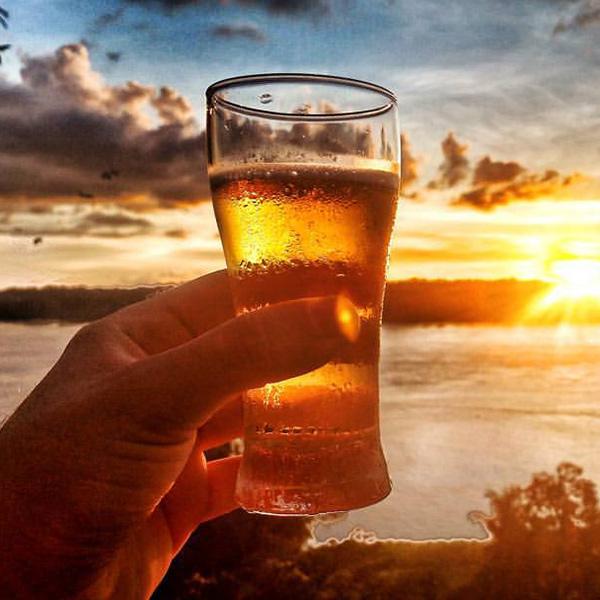 A incrível história do publicitário paranaense que largou tudo para viajar e beber cerveja