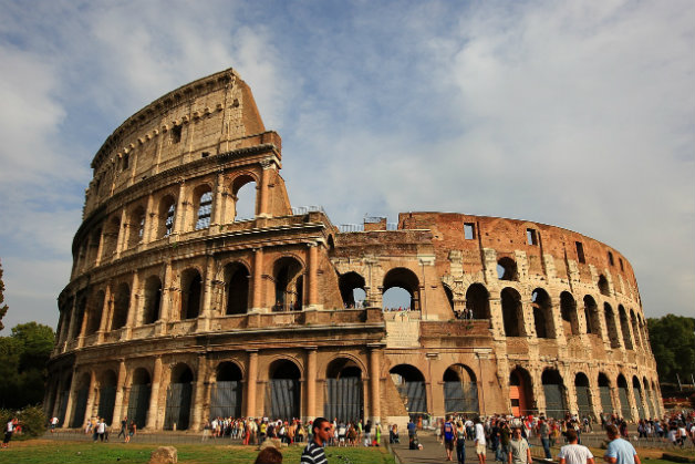 the-colosseum-2182384_1280