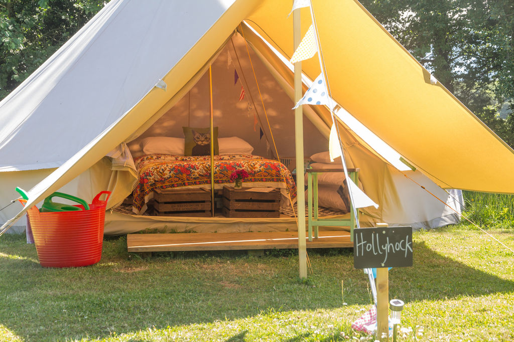 ambers-bell-tent-camping-wiveton-hall-east-anglia-norfolk-large-1