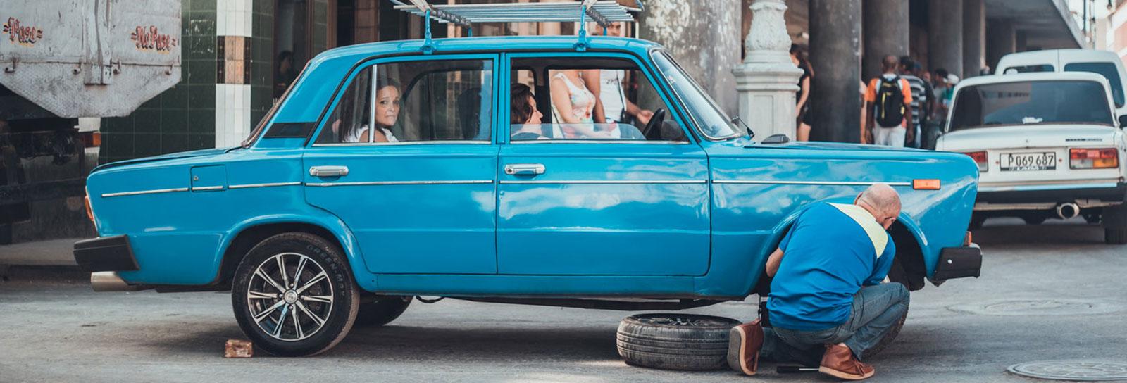 A lente desse fotógrafo retrata uma Cuba que parece saída do cinema
