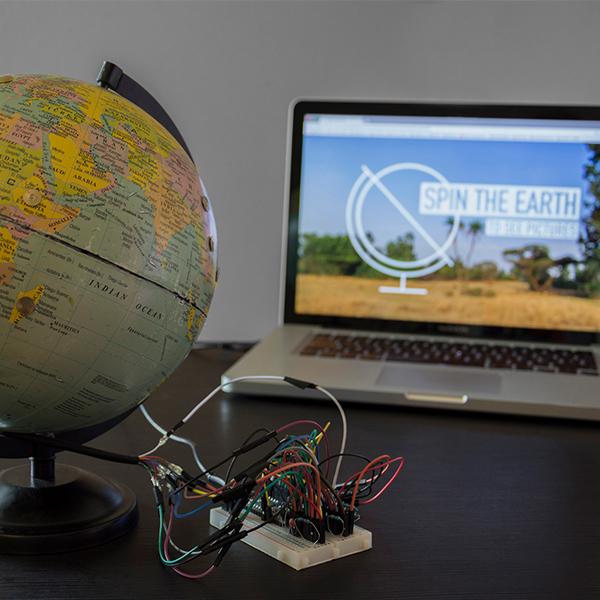 O incrível globo que te ajuda a encontrar suas fotos pelo mundo com um simples toque