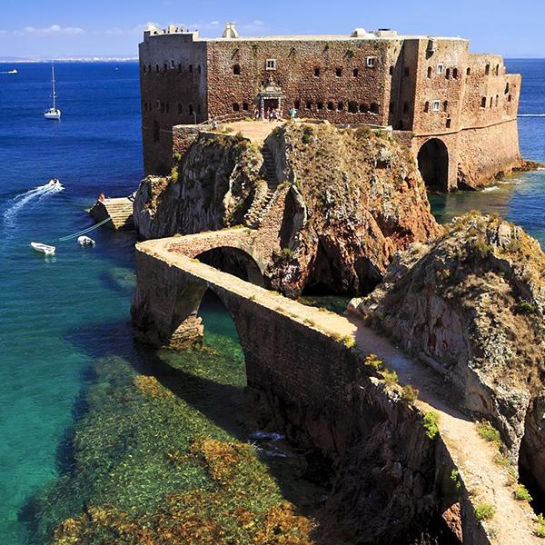 10 destinos de férias imperdíveis a menos de uma hora e meia de Lisboa