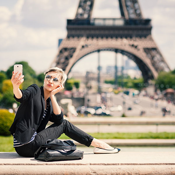 Como tirar fotos incríveis de si mesmo(a) viajando sozinho(a)